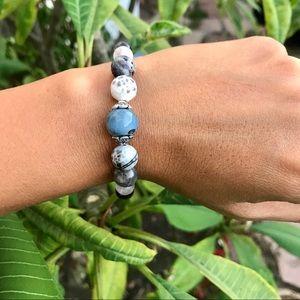 Jewelry - ❄️Happy Beads❄️